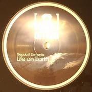 various artists - Life On Earth / Insecticide (Disturbed Recordings DISTURBD020, 2009) : посмотреть обложки диска