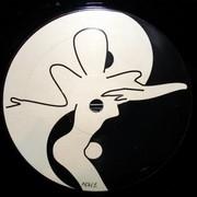 Aphrodite - Raw Motion / Dub Motion (Aphrodite Recordings APH001, 1993) : посмотреть обложки диска